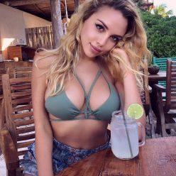 Veronica Bielik tits