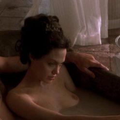 Angelina Jolie Naked Photos 15