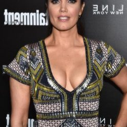 Bellamy Young Cleavage