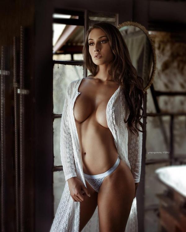 bianca kmiec nude