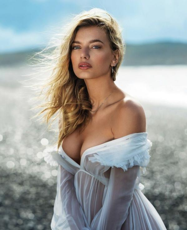 Bregje Heinen Sexy