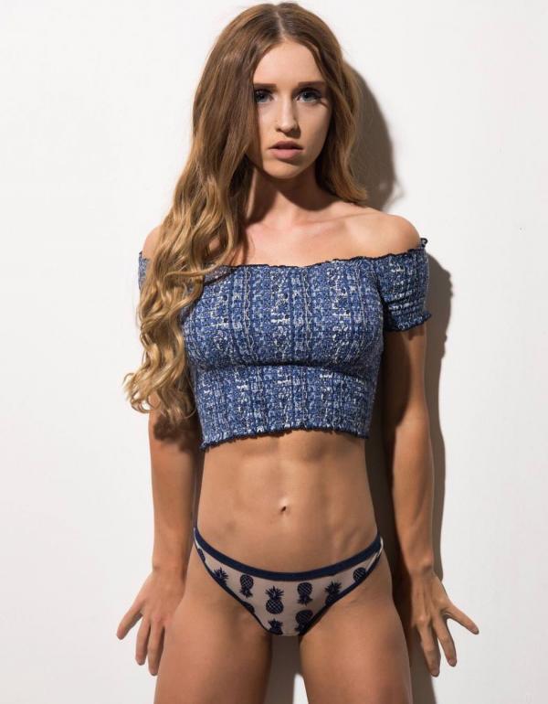 Briana Agno Nude Sexy Photos 107