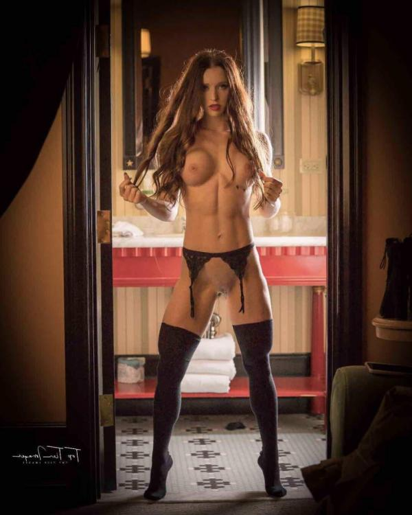 Briana Agno Nude Sexy Photos 110