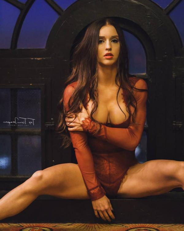 Briana Agno Nude Sexy Photos 140