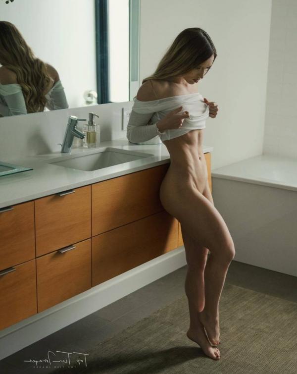 Briana Agno Nude Sexy Photos 156