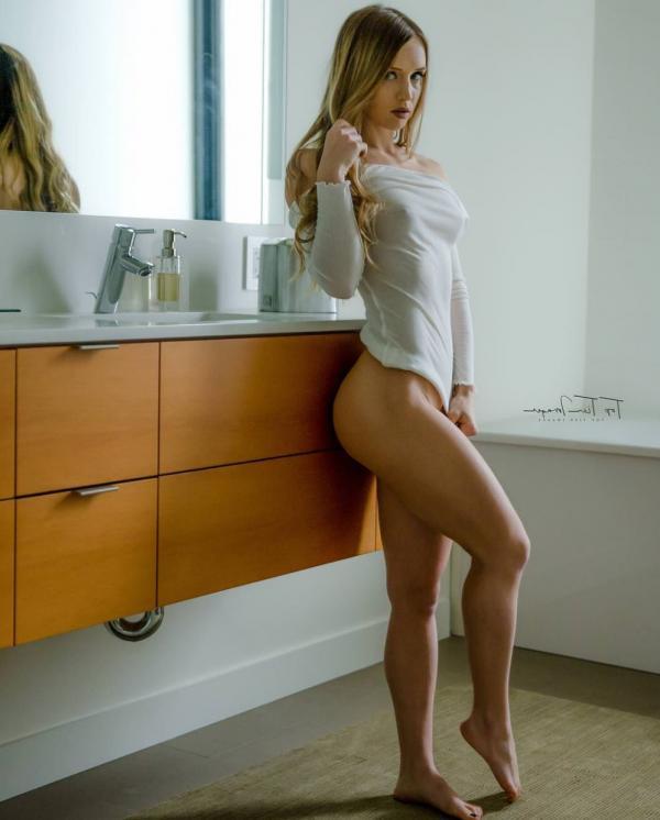 Briana Agno Nude Sexy Photos 188