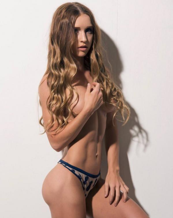 Briana Agno Nude Sexy Photos 224