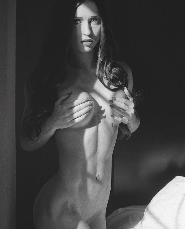 Briana Agno Nude Sexy Photos 231