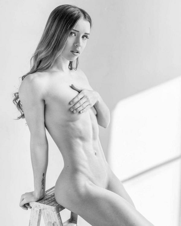 Briana Agno Nude Sexy Photos 244