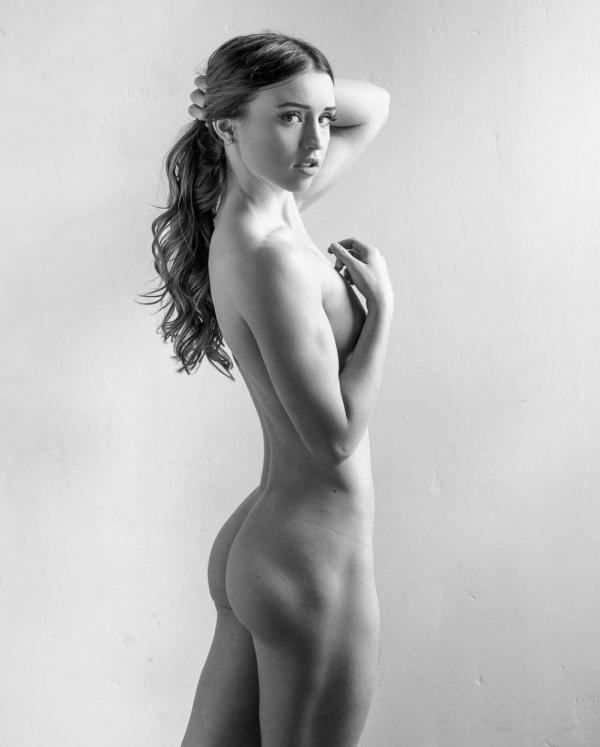 Briana Agno Nude Sexy Photos 249