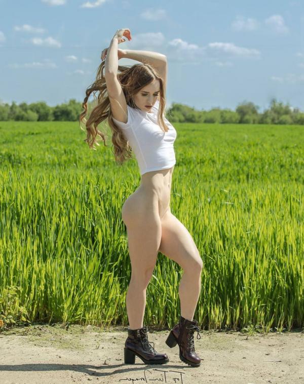 Briana Agno Nude Sexy Photos 28