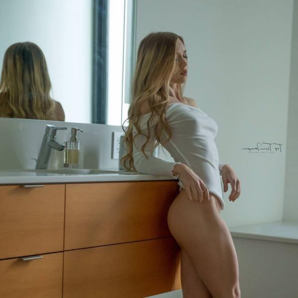 Briana Agno Nude Sexy Photos 286