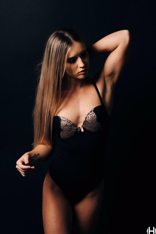 Briana Agno Nude Sexy Photos 305