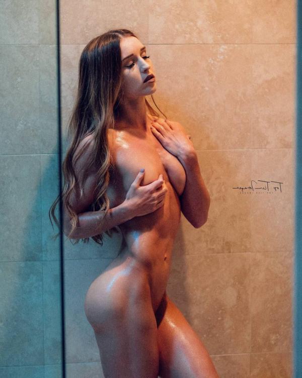 Briana Agno Nude Sexy Photos 31