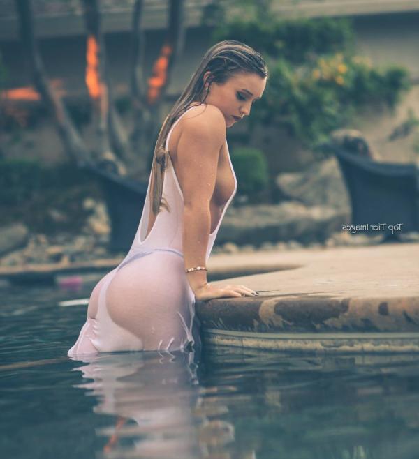 Briana Agno Nude Sexy Photos 33