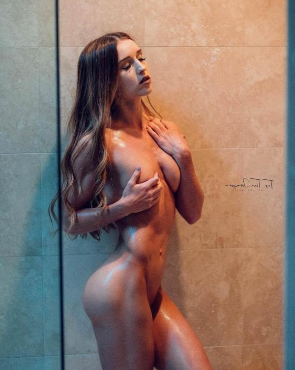 Briana Agno Nude Sexy Photos 35