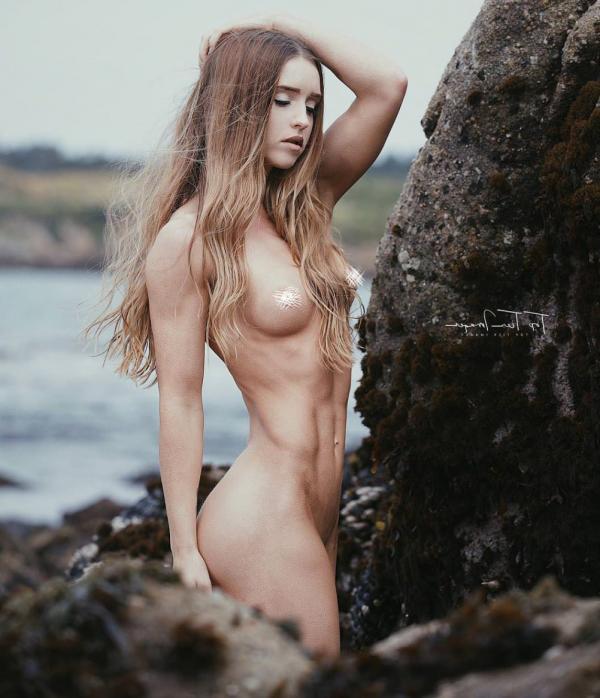 Briana Agno Nude Sexy Photos 67