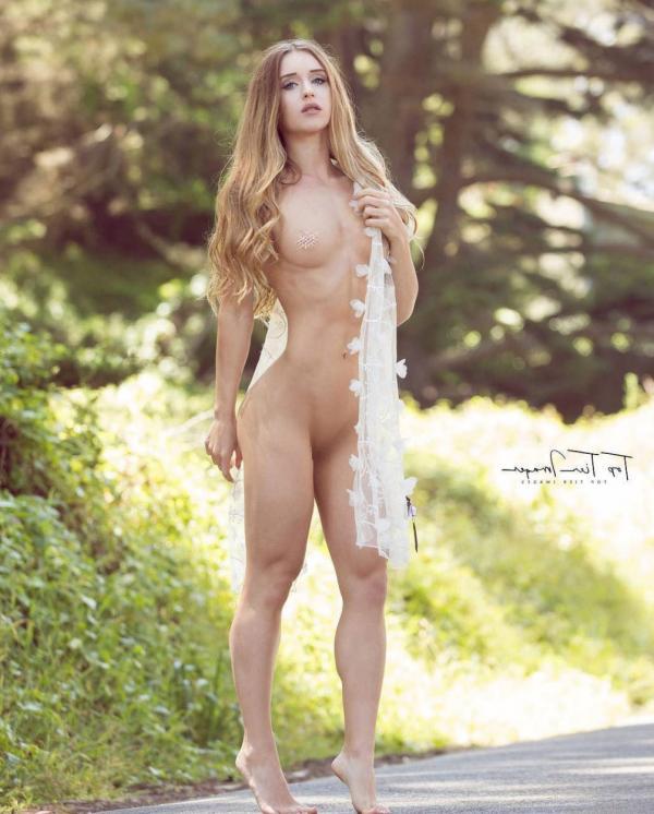Briana Agno Nude Sexy Photos 70