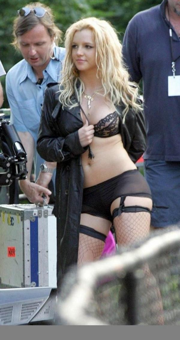 Britney Spears Really Complete Nude Collection Photos 16
