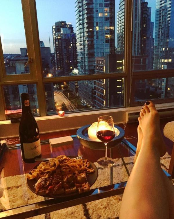 Brittany Curran Sexy Photos 10