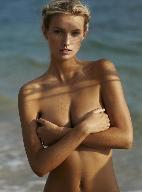 Brooke Buchanan Nude Sexy Photos 13