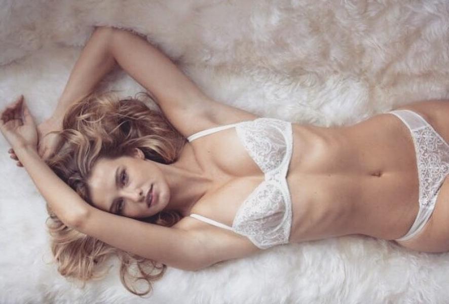 Brooke Buchanan Nude Sexy Photos 15