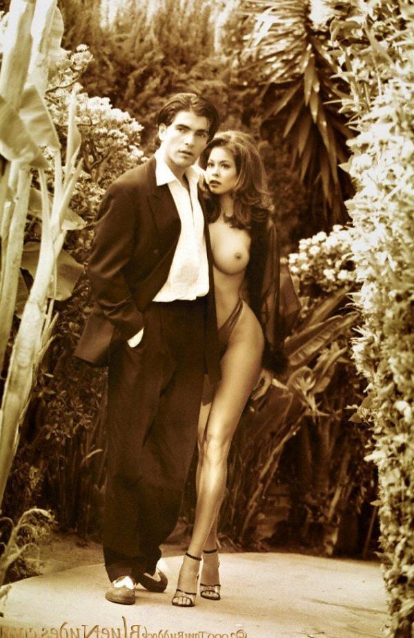 Brooke Burke Nude Sexy Photos 14