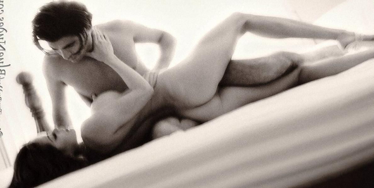 Brooke Burke Nude Sexy Photos 38