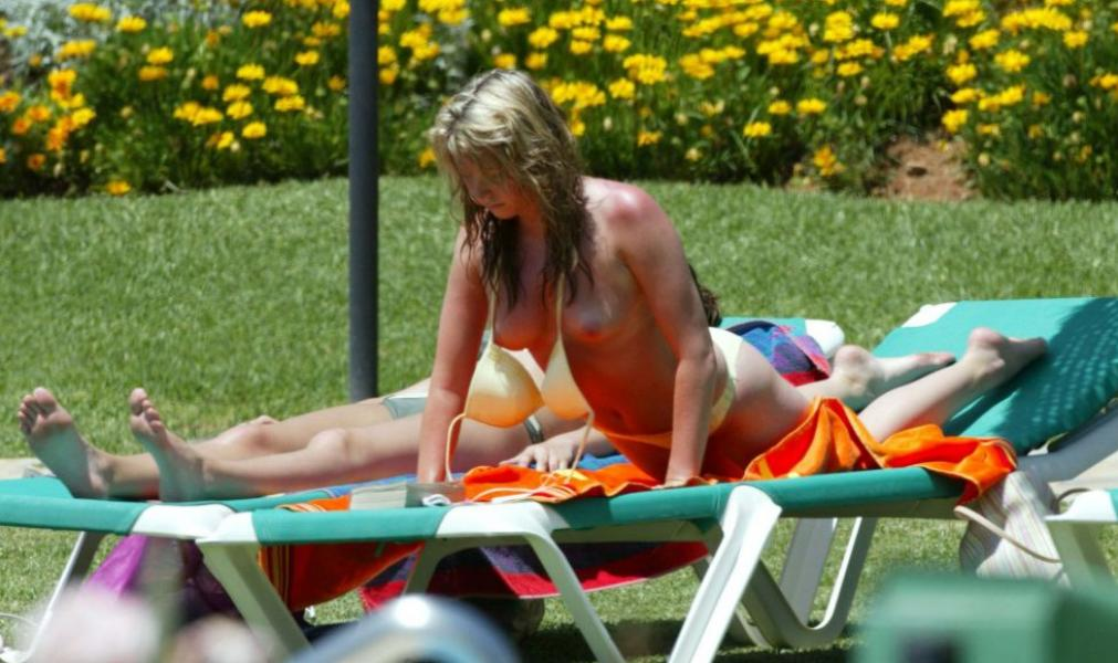 Brooke Kinsella Topless Photos 9