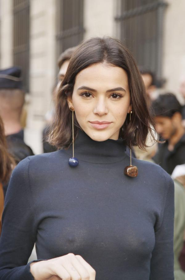 Bruna Marquezine hot