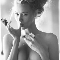 Bryana Holly Nude Sexy Pics 2