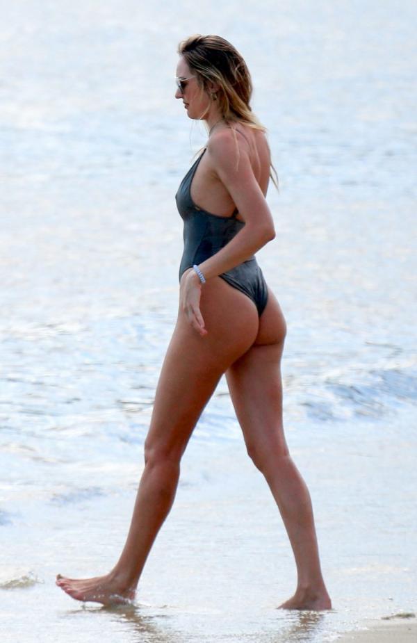 Candice Swanepoel Sexy Photos 34