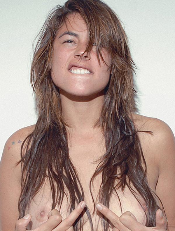 Carla Giraldo Topless Photos 1