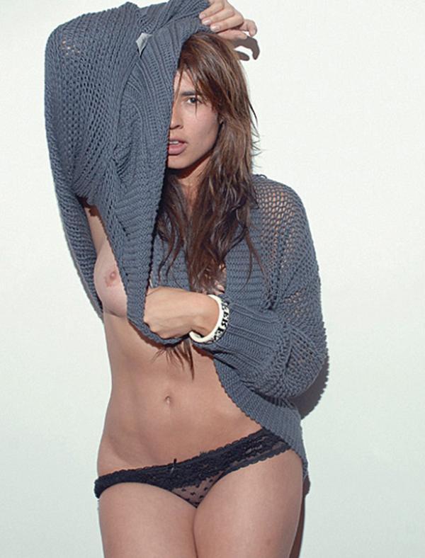 Carla Giraldo Topless Photos 10