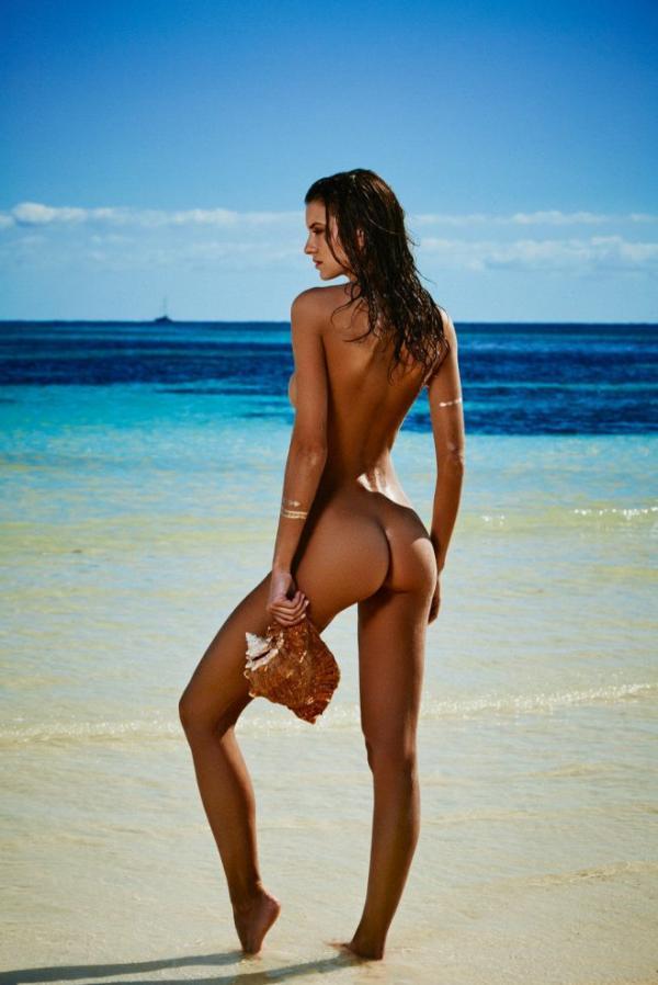 Carleen Laronn Nude Photos 8