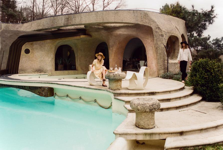 Caroline Corinth Topless Sexy Photos 81