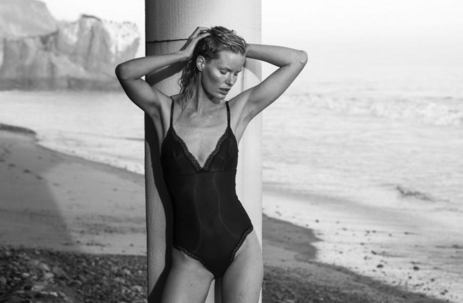 Caroline Winberg Nude Sexy Photos 10