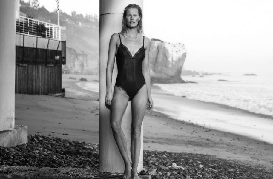 Caroline Winberg Nude Sexy Photos 11