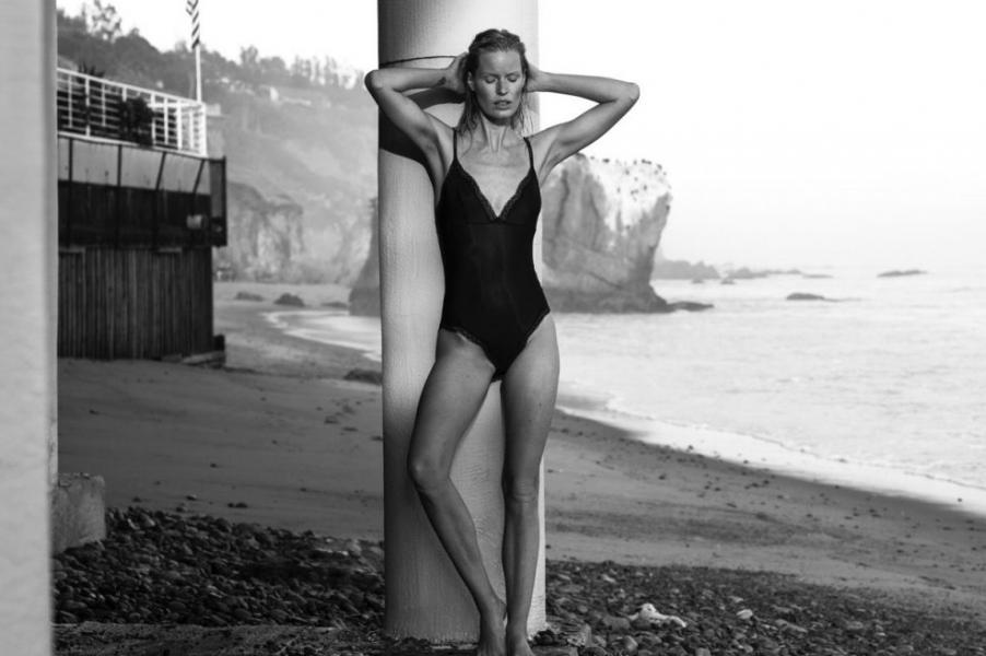Caroline Winberg Nude Sexy Photos 12