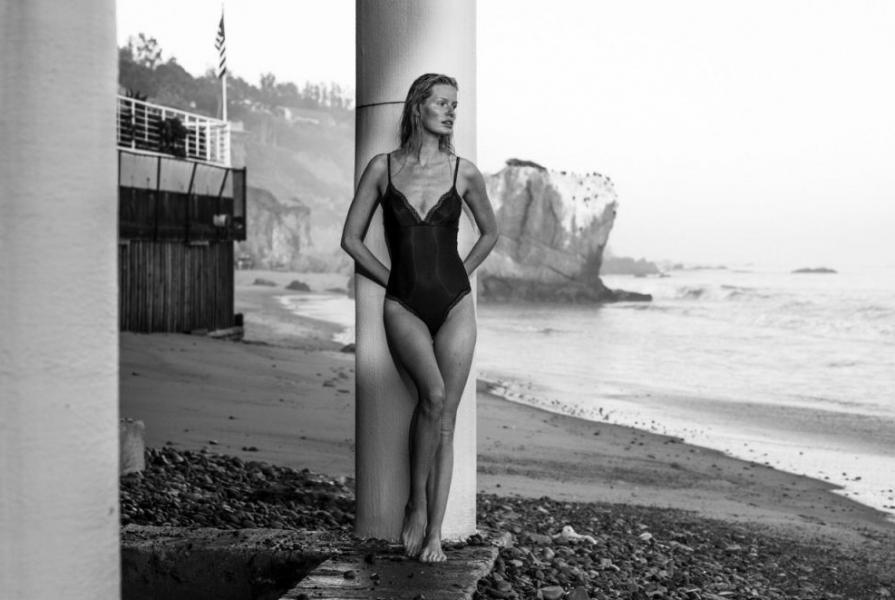 Caroline Winberg Nude Sexy Photos 13