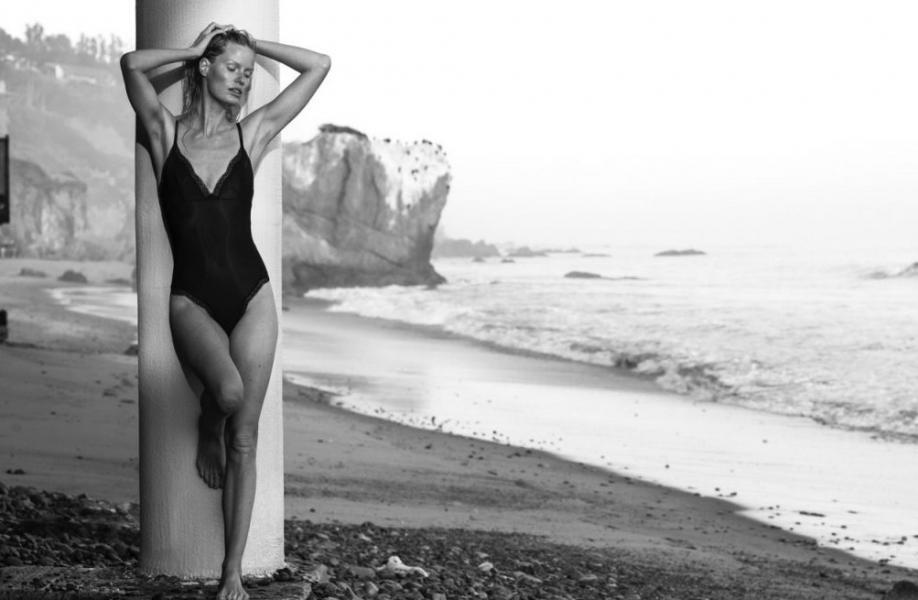Caroline Winberg Nude Sexy Photos 14