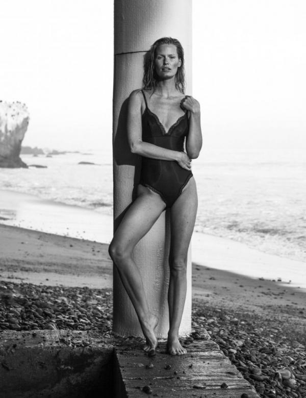 Caroline Winberg Nude Sexy Photos 18