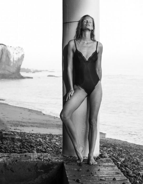 Caroline Winberg Nude Sexy Photos 19
