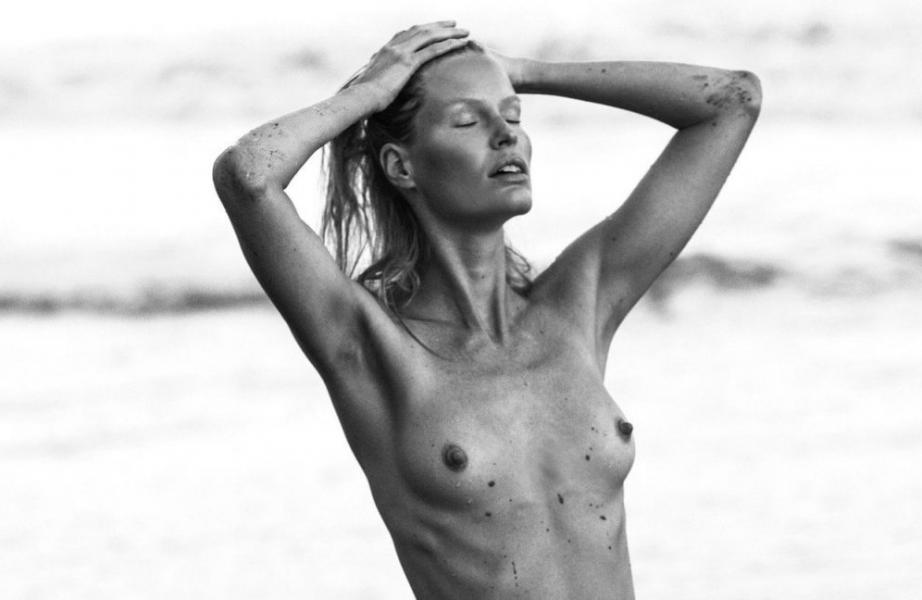 Caroline Winberg Nude Sexy Photos 27