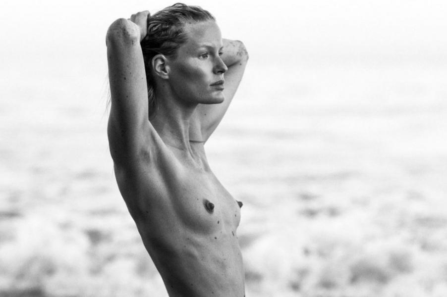 Caroline Winberg Nude Sexy Photos 35