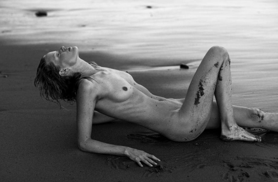 Caroline Winberg Nude Sexy Photos 39