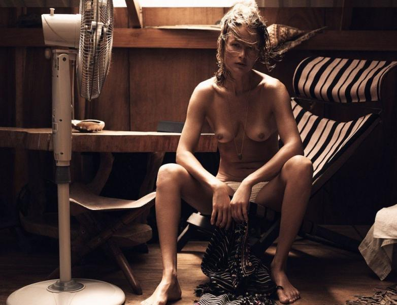 Carolyn Murphy Topless Sexy Photos 10