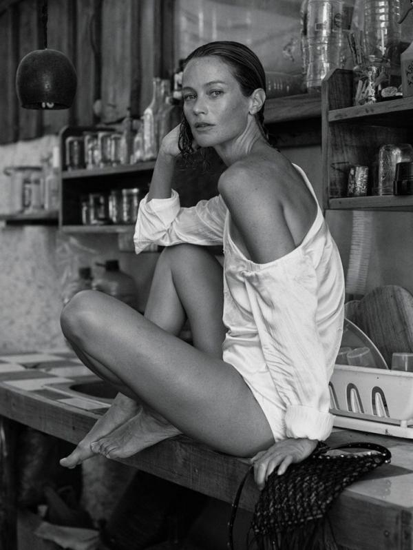 Carolyn Murphy Topless Sexy Photos 12