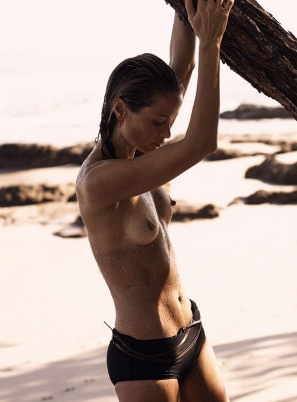 Carolyn Murphy Topless Sexy Photos 18