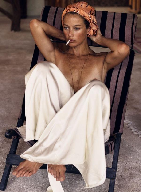 Carolyn Murphy Topless Sexy Photos 27